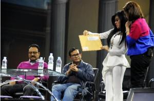 Seskab Pramono Anung saat tampil di Mata Najwa On Stage bersama Wagub Jatim Gus Ipul, Syahrini, dan pembawa acara Najwa Shihab, Sabtu (10/10) malam