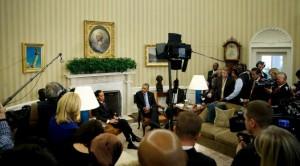 Presiden Jokowi dan Presiden AS Barack Obama menyampaikan pernyataan pers bersama, di Gedung Putih, Washington DC, AS, Senin (26/10) siang waktu setempat