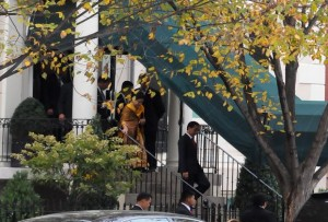 Presiden Jokowi meninggalkan Blair House, tempatnya menginap selama kunjungan di Washington DC, AS, untuk kembali ke tanah air, Rabu (28/10) pagi WIB