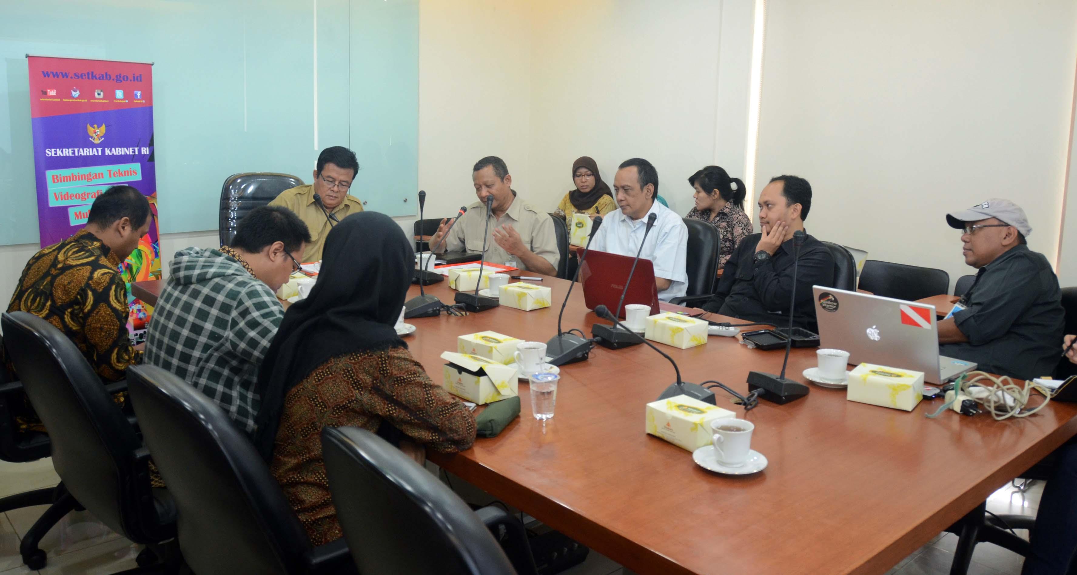 Asdep humas dan protokol setkab gelar bimtek videografi dan multimedia sekretariat kabinet - Kabinet multimedia ...