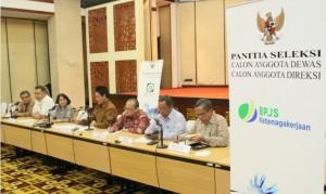 Pansel Calon anggota Dewas dan Direksi BPJS Kesehatan dan BPJS Ketenagakerjaan dalam konferensi pers di Gedung PPSDM, Jakarta, Kamis (5/11) malam.