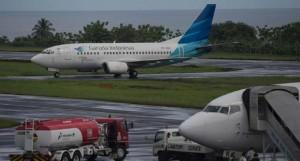 bandara pekanbaru hujan