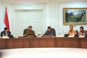 Presiden Jokowi saat memimpin Sidang Kabinet Paripurna di Kantor Presiden, Jakarta (23/12)