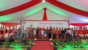 Presiden Jokowi dan Ibu Negara, Iriana, Hadiri Perayaan Natal Nasional di Alun-alun Rumah Jabatan Gubernur NTT, Kupang, Senin (28/18) (Foto:Rusman/Setpres)