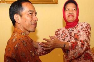 Presiden Jokowi dan Ibunya Sudjiatmi