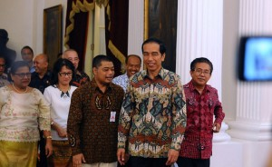 President Joko Widodo with the committee of Indonesian Communion of Churches (PGI) and Indonesian Bishops Conference (KWI) at Merdeka Palace, Jakarta, onTuesday (22/12)