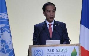 Presiden Jokowi menyampaikan pernyataan pada Konferensi Perubahan Iklim (COP 21), di Paris, Perancis, Senin (30/11) sore Waktu Setempat