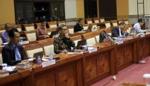 Para calon pimpinan KPK mengikuti uji makalah di Komisi III DPR-RI, Jakarta, beberapa waktu lalu