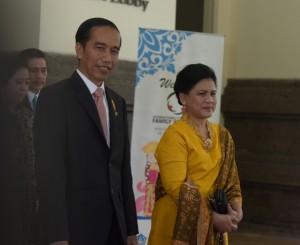 Presiden Jokowi dan Ibu Negara Iriana Jokowi tiba di BNDCC, Nusa Dua (25/1).