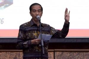 Presiden Jokowi saat memberikan arahan saat penandatanganan kontrak kegiatan tahun 2016 Kementerian Perhubungan di Jakarta (18/1) (Foto:Humas/Oji)