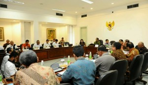 Presiden Jokowi pimpin Rapat Terbatas mengenai Asian Games di Kantor Presiden, Jakarta (11/1)