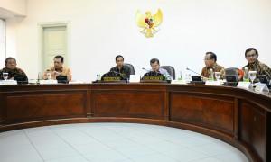 Presiden saat memimpin rapat terbatas tentang pengelolaan Batam di Kantor Presiden, Jakarta (19/1) (Foto:Humas/Rahmat)