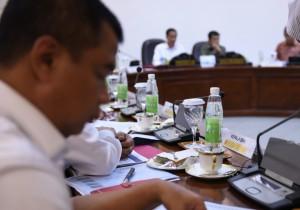 Presiden Jokowi Memimpin Rapat Terbatas tentang Pemberantasan Narkoba dan Rehabilitasi Korban Penyalahgunaan Narkoba di Kantor Presiden, Jakarta, Rabu (24/2) Siang.Terbatas tentang Pemberantasan Narkoba dan Rehabilitasi Korban Penyalahgunaan Narkoba di Kantor Presiden, Jakarta, Rabu (24/2) Siang.