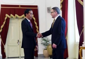 Presiden Jokowi menemui Menlu Republik Ceko di Istana Merdeka, Jakarta (25/2). (Foto:Humas/Jay)