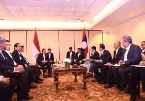 Presiden Jokowi bertemu Presiden Laos di California, Amerika Serikat (15/2). (Foto:Humas/Nia)