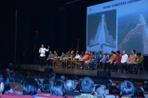 Presiden Jokowi saat bertemu Diaspora Indonesia di San Fransisco. (Foto:BPMI/Laily)