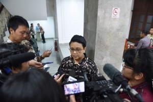 Menteri Luar Negeri Retno LP Marsudi menjawab pertanyaan para wartawan usai Ratas (3/2) di Kantor Presiden. (Foto: Humas/Deni)