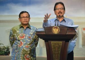Menteri PPN/Kepala Bappenas menyampaikan keterang pers usai sidang kabinet di Kantor Presiden, Jakarta (10/2). (Foto:Humas/Deni)
