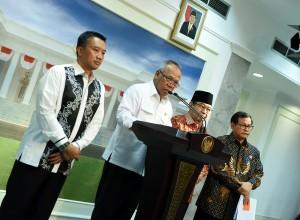 Keterangan Pers usai ratas mengenai P3SON Hambalang (30/3) (Foto: Humas/Dhany)