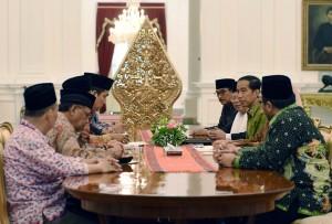 Presiden Jokowi menerima Rais Aam NU Ma'ruf Amin dan Pengurus Besar NU (31/3) di Istana Merdeka. (Foto: Humas/Jay)