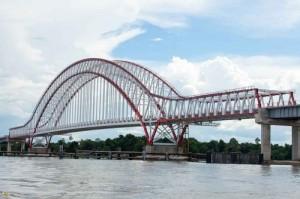 Jembatan Kapuas Tayan, di Kabupaten Sanggau, Kalbar