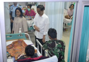 Presiden Jokowi didampingi Ibu Negara Iriana secara mendadak mengunjungi RSUD Sumedang, dalam kunjungannya ke Sumedang, Jabar, Kamis (17/3)