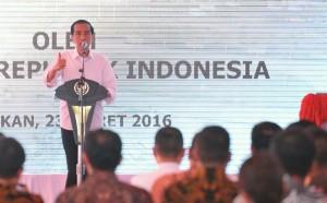 Presiden Jokowi memberi arahan pada saat peresmian Bandara Juwata (23/3) di Tarakan, Kalimantan Utara. (Foto: Humas/Jay)