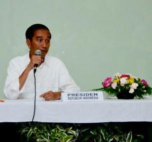 Presiden Jokowi memimpin Ratas tentang Destinasi Wisata Danau Toba di tengah kunjungan kerjanya ke Sumut. (Foto: Humas/Fitri)