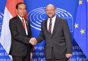 Presiden Jokowi bertemu Presiden Parlemen Uni Eropa di Brussel, Belgia (21/4). (Foto: BPMI/Laily)