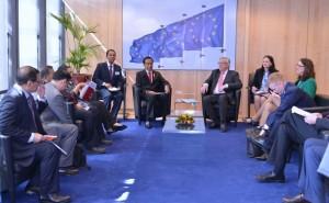 Presiden Jokowi bertemu Presiden Komisi Eropa di Brussel, Belgia (21/4). (Foto: BPMI/Laily).