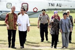 Presiden Jokowi tiba di Brebes, Jawa Tengah, Senin (11/4) (Foto: BPMI)
