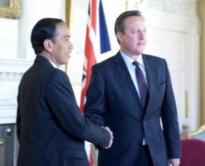 Presiden Jokowi bertemu dengan PM Inggris David Cameron, di London, Inggris, Selasa (19/4) siang, (Foto: Nia/Humas)
