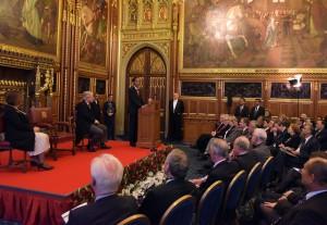 Presiden Jokowi menyampaikan pidato di depan Parlemen Inggris, di Palace of Westminster, London, Selasa (19/4) siang waktu setempat. (Foto: Humas/Nia)
