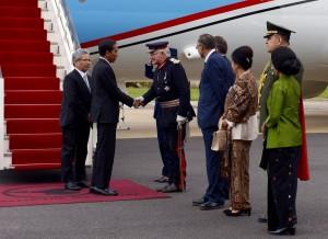 Presiden Jokowi Tiba di London (18/4) waktu setempat. (Foto: Humas/Nia)