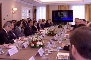 Presiden Jokowi Memberi Sambutan Dalam Pertemuan Dengan Lembaga Finansial Internasional, Selasa (19/4) pagi, di Hotel Grosvenor House, London, Inggris (Foto: Humas/Nia)