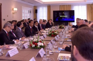 President Jokowi delivers a remarks at a meeting with International Finance Institutions, on Tuesday (19/4) morning, at the Grosvenor House Hotel, London, the United Kingdom
