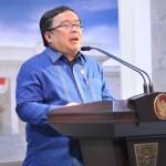 Menteri Keuangan Bambang Brodjonegoro menyampaikan keterangan pers soal pagu indikatif 2017, usai rapat terbatas di kantor Presiden, Jakarta, Kamis (28/4) petang. (Foto: Deni S/Humas)