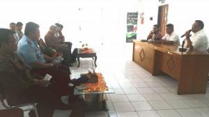 Pengurus Bidang Diseminasi Informasi Bakohumas saat melakukan rapat koordinasi di Makassar, Sulawesi Selatan Kamis (28/4) siang. (Foto: Humas/Edi)