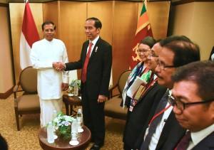 Presiden Jokowi bertemu Presiden Sri Lanka di Nagoya, Jepang (26/5). (Foto: Humas/Dhany)