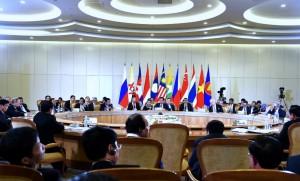 Presiden Jokowi pada Sesi Plenari KTT ASEAN-Rusia, Jumat (20/5), di Sochi, Rusia. (Foto: BPMI/Rusman)