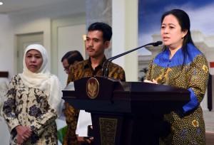 Menko Bidang PMK memberikan keterangan pers usai mengikuti Rapat Terbatas di Kantor Presiden, Jakarta (11/5). (Foto: Humas/Jay)
