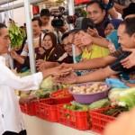Presiden Jokowi di Pasar Manis Purwokerto I, Purwokerto, Jawa Tengah, Rabu (4/5). (Foto: Humas/Oji)