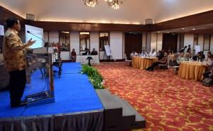 Sekretaris Kabinet Pramono Anung memberikan Key Note Speech pada acara Seminar dan Lokakarya Nasional Partisipasi Publik Dalam Peningkatan Kualitas Tatakelola dan Kinerja Penanganan Kasus Korupsi yang diselenggarakan oleh Indonesian Coruption Watch (ICW) di Hotel sari Pan Pacific Jakarta, Selasa(3/5) Pagi.