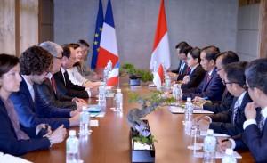 Pertemuan Bilateral Presiden Jokowi dan Hollande di Jepang (27/5). (Foto:BPMI)