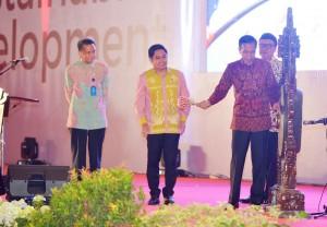 Presiden Jokowi menutup Apkasi International Trade and Investment Summit (AITIS) 2016 di JI Expo, Kemayoran, Jakarta (7/5). (Foto: BPMI/Kris)