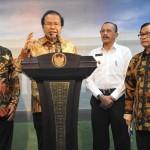 Menko Kemaritiman memberikan keterangan kepada pers usai mengikuti Rapat Terbatas di Kantor Presiden, Jakarta (29/6). (Foto: Humas/Deni)