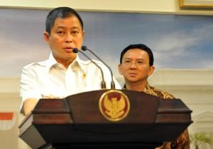 Menhub berikan keterangan pers kepada wartawan usai Rapat Terbatas Rabu (8/6) Sore di Kantor Presiden, Jakarta. (Foto: Humas/Rahmat)