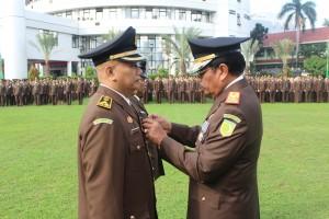 Jaksa Agung Prasetyo pada upacara Hari Adyaksa ke-56, di halaman kantor Kejaksaan Agung, Jakarta, Jumat (22/7) pagi. (Foto: Humas Kejakgung)