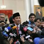 Archandra Tahar menjawab wartawan usai dirinya dilantik sebagai Menteri ESDM oleh Presiden Jokowi, di Istana Negara, Jakarta, Rabu (27/7) siang. (Foto: JAY/Humas)