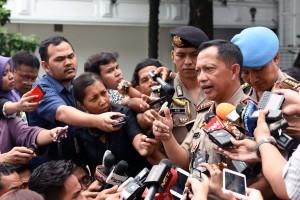 Kapolri Jend. Tito Karnavian menjawab wartawan, di kawasan Istana Kepresidenan, Jakarta, Selasa (19/7) siang. (Foto: JAY/Humas)